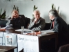 """Veranstaltung """"Matinee im Dachcafé"""" – Friedhelm Hengsbach referiert über das Buch """"Kapitalismus kritisch gesehen"""" von Oswald von Nell-Breuning. Auf dem Podium: Reiner Diederich, Friedhelm Hengsbach, Hans See."""